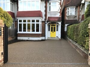 London SW18: Resin Bound Aggregate